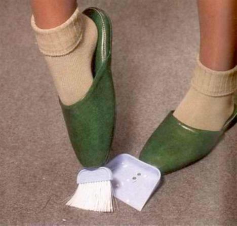 Chindogu-Sweep-Shoes