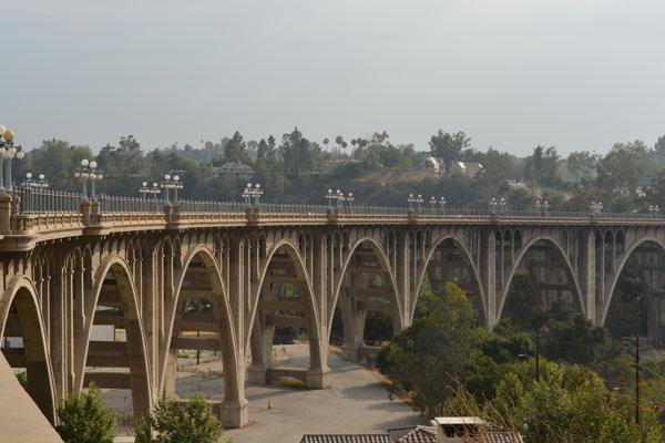 Suicide_Bridge_Pasadena_California